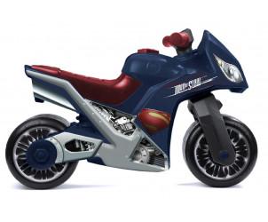 Moto con diseño de Superman