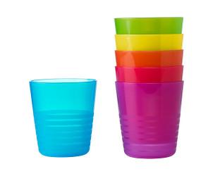 Vasos de colores variados